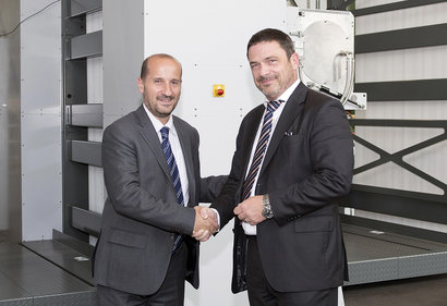 L-r: Aurelio Maruggi, Vice President and General Manager, Inkjet High-Speed Production Solutions, HP, and Christoph Müller, Executive Vice President for the Web Press Product House