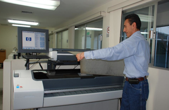 The fleet of HP Designjet printers currently used all over Mexico by Peñoles includes the latest HP Designjet T1100 MFP (multifunction printer) series